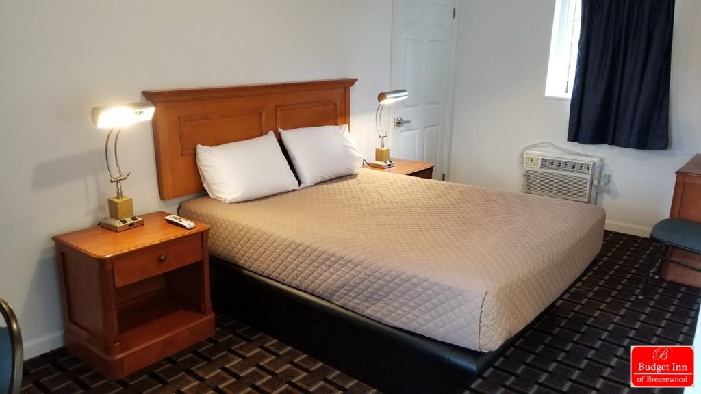 Guest room with 1 Queen Bed | Budget Inn Breezewood