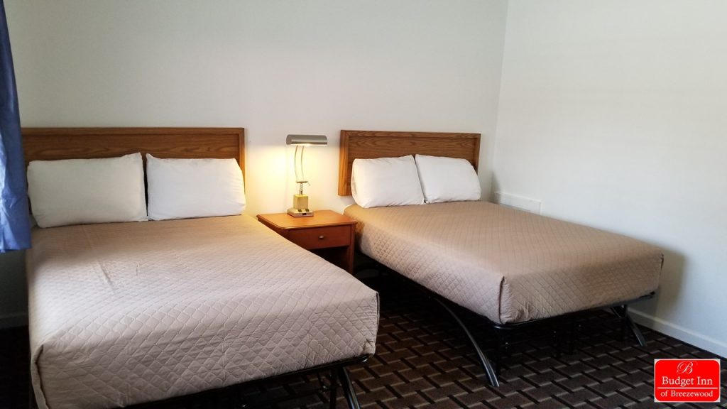 Guest room with 2 Double Bed(S) | Budget Inn Breezewood